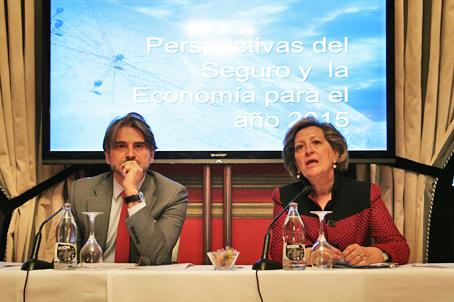 José Antonio Sánchez, director general de ICEA, y Pilar González de Frutos, presidenta de UNESPA