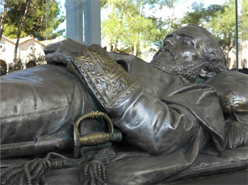 Mausoleo del General Prim_Cementerio de Reus