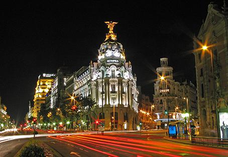 La alcaldesa de Madrid estudia remunicipalizar la funeraria de Madrid