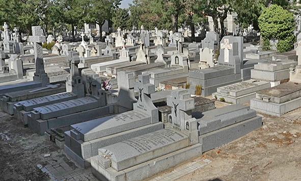 cementerio_de_la_almudena_tumbas_2
