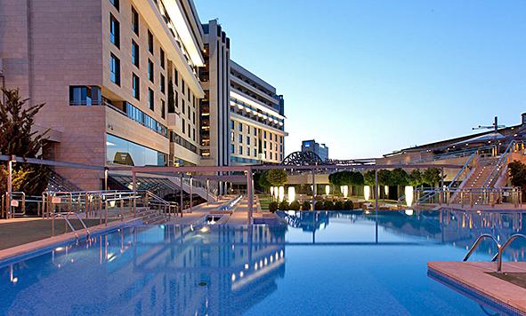 hotel_nelva_exterior_nocturno