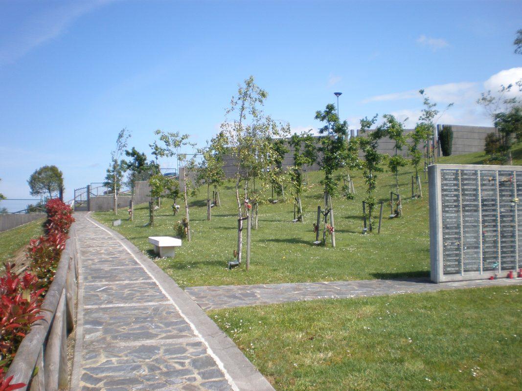 Cementerio-de-Deva-Parque-de-las-Cenizas-1067x800